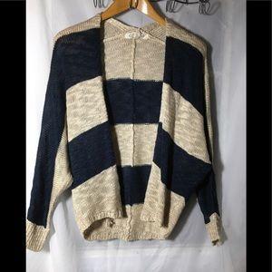 Pink Rose Blue and Tan Sweater Size Medium